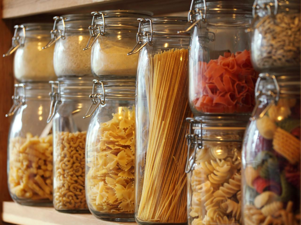 jars of different kinds of dried pasta