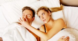 Here's How Sleeping Apart Can Help Improve a Relationship