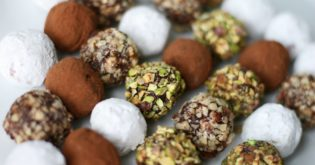 3-Ingredient Chocolate Truffles: A Simple-to-Make Treat