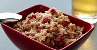 Instant Oatmeal Just Got Better with This Cranberries and Pecans Recipe