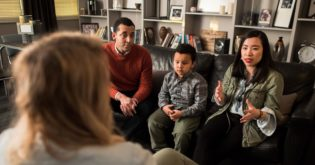 Therapists Share Advice on How to Properly Handle Parental Guilt