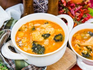 Italian Ribollita Soup With White Beans & Kale