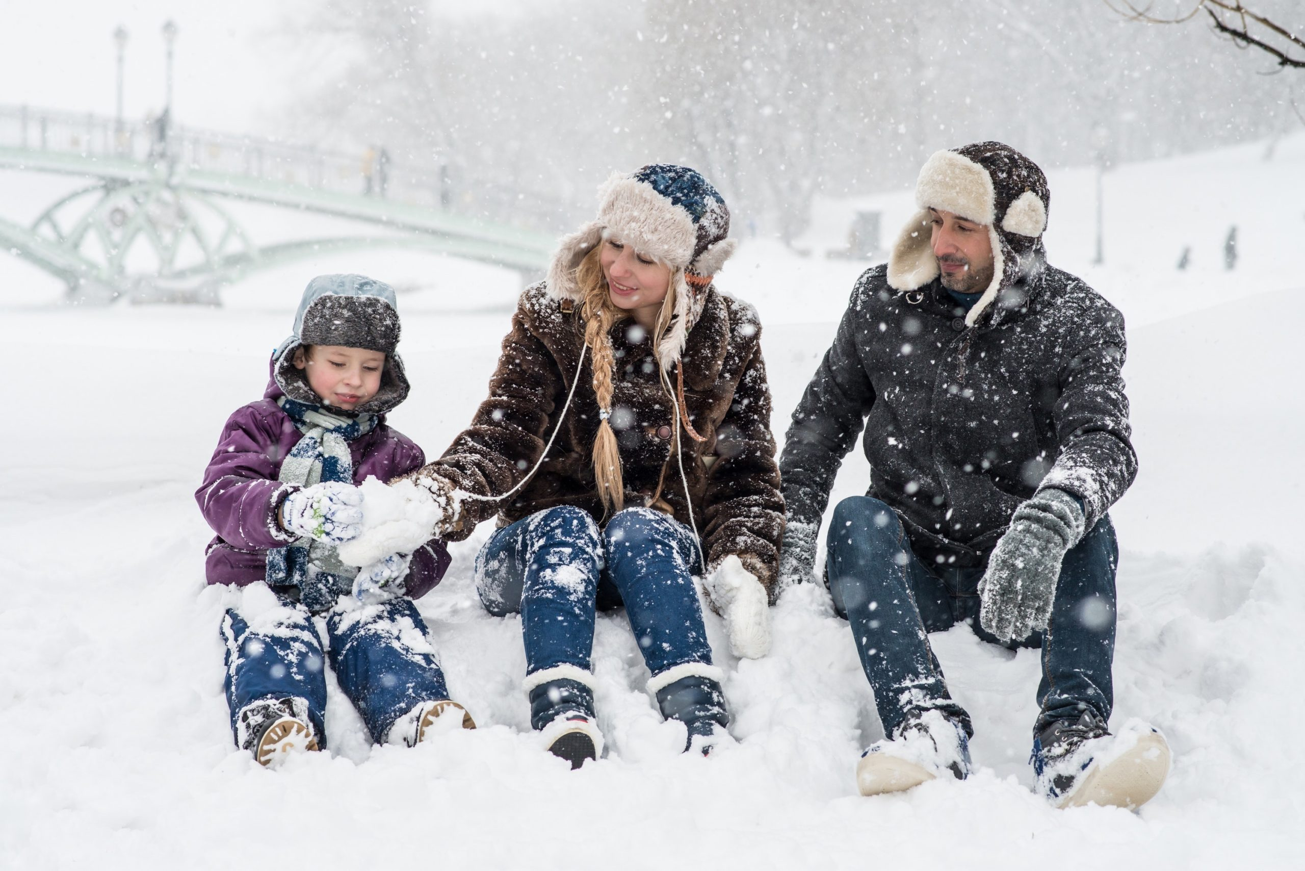 Simple Activities for Families to Spend Time Outside During Winter