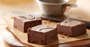 This 2-Ingredient Fudge Recipe Is Everyone's Favorite Treat