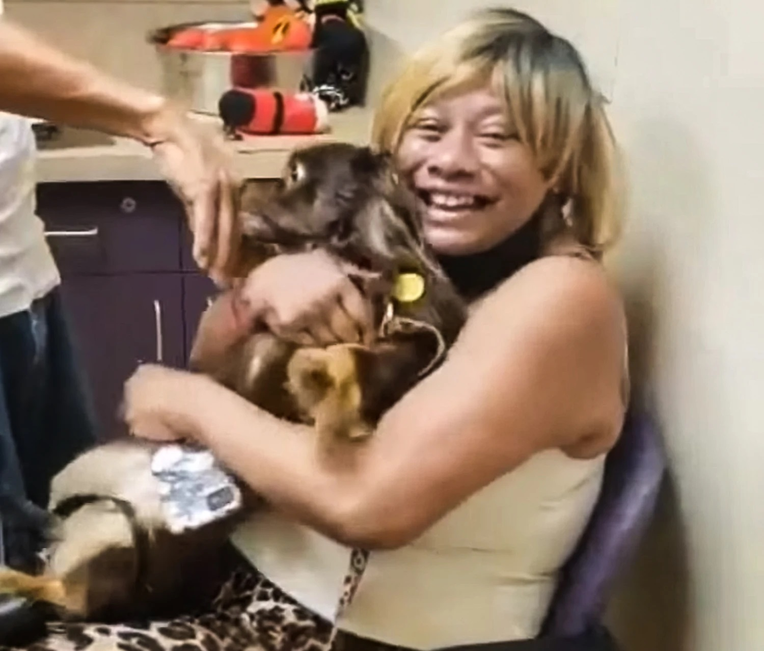 Dwight's mother, Melissa, being reunited with Payday.